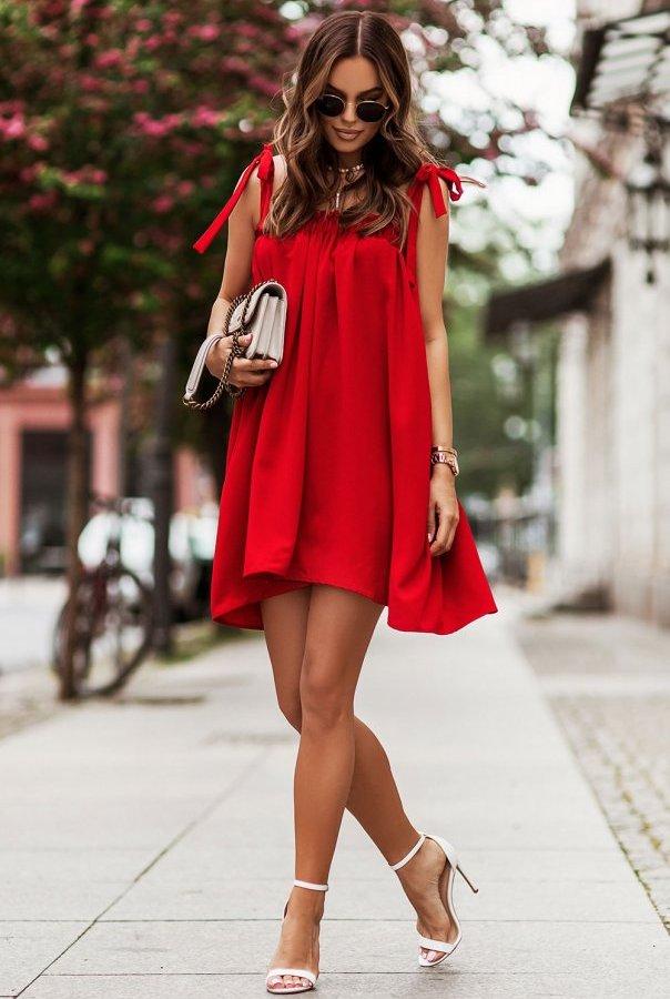Sukienka ANDI z wiązaniami na ramionach 299-CZERWONY